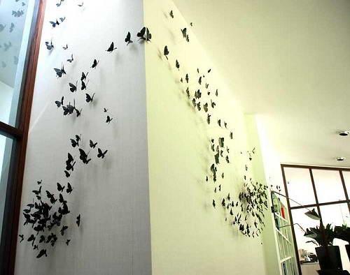 Бумажные бабочки на канцелярских булавках