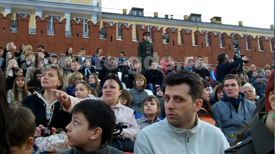 Трибуны на репетиции парада Победы на Красной площади были полностью заполнены