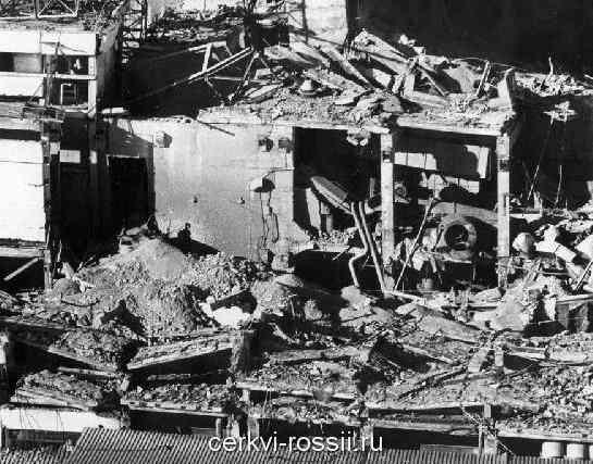 chernobylskaya_katastrofa_razrushennyy-reaktor