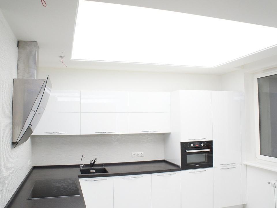 фото вариантов потолков с подсветкой